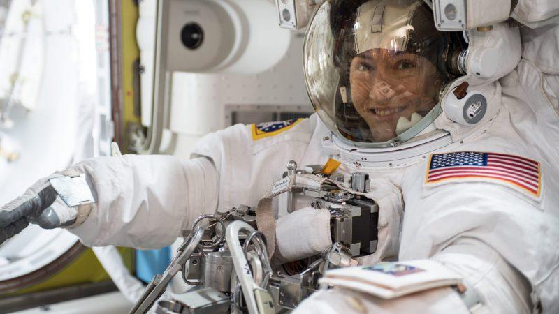 นักบินอวกาศหญิงที่ถือสถิติอยู่ปฏิบัติภารกิจในอวกาศนานที่สุดในโลก